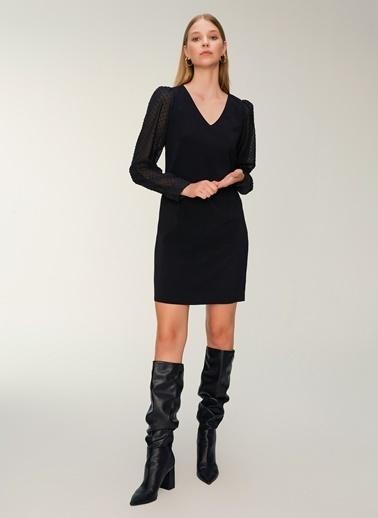 NGSTYLE Kol Detaylı V Yaka Elbise Siyah